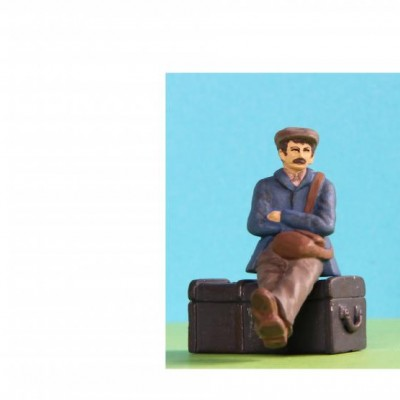 - General People Sitting (Trunk not included) - 48/A002 Workman sitting