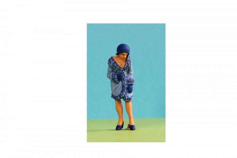 -  - A020 Woman in hat & coat