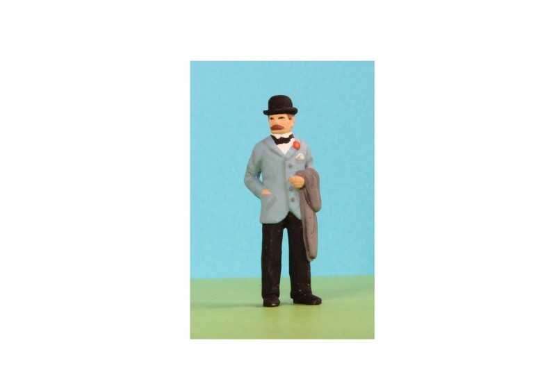 -  - A031 Gent in bowler and