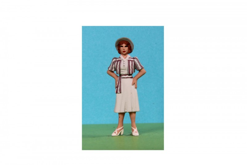 -  - A035 Lady Fashion model c.1938