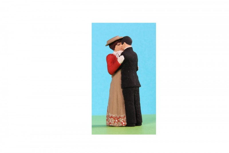 -  - G1A014 Couple embracing