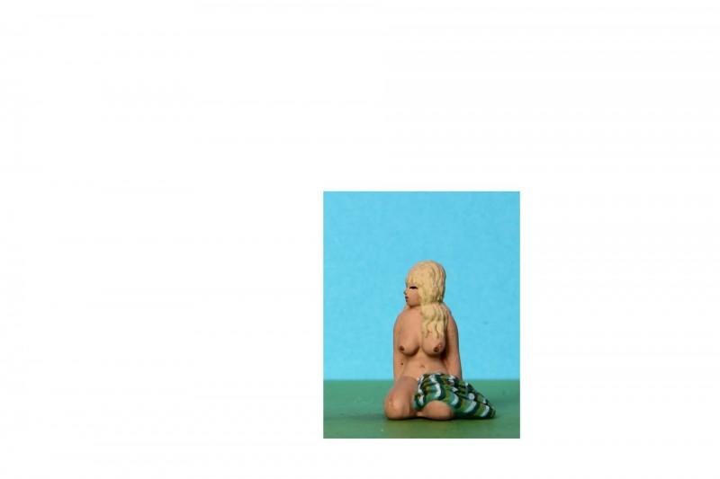 -  - G1C07 Naked girl kneeling